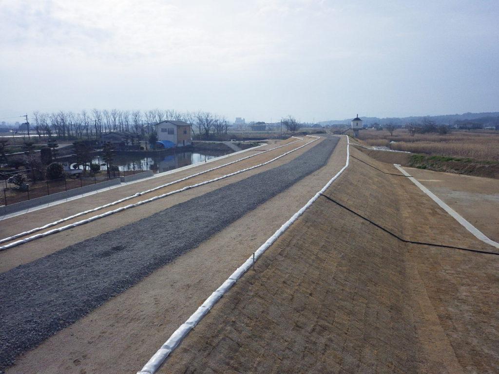 H29・浜戸川右岸走潟上流地区築堤工事